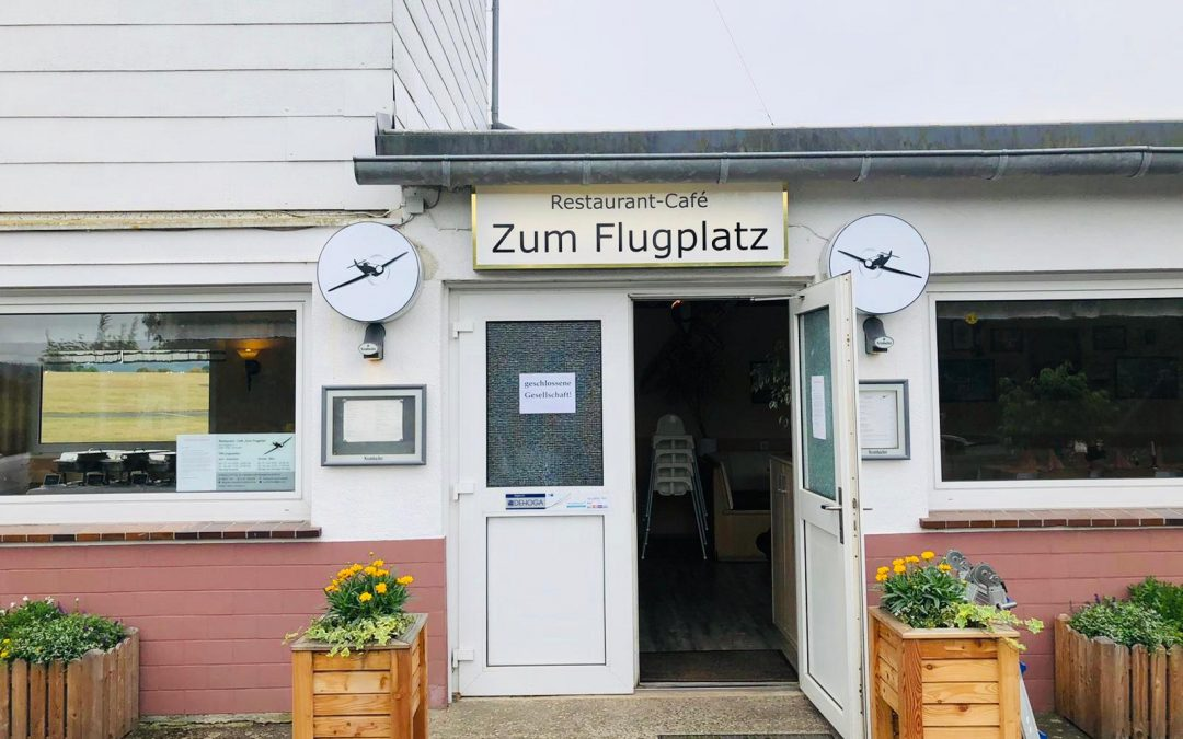 Neue Aussenwerbung für das Restaurant – Café Zum Flugplatz