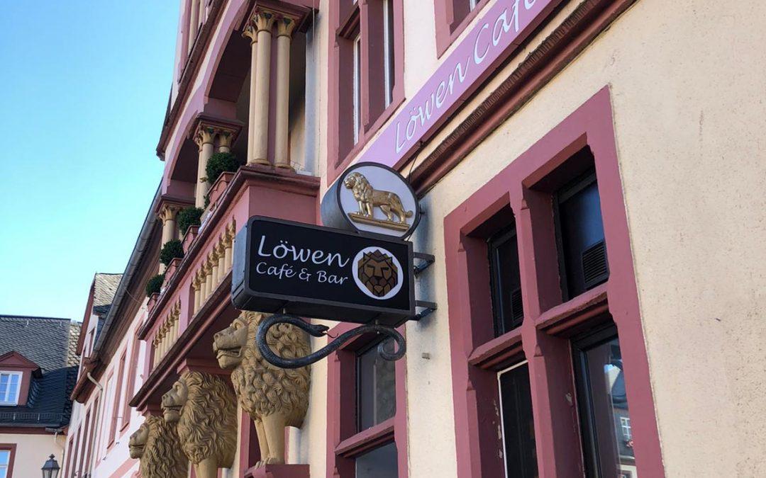Neue Aussenwerbung Löwen-Café Weilburg